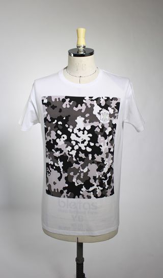 【GK CAMO T-SHIRT】COLOR: BLACK<br>PRICE: ¥7,000(+TAX)<br>※カラーはGREENもあり。